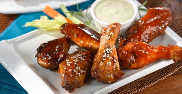 6 pieces of chicken wings, side bleu cheese dressing, carrots and celery